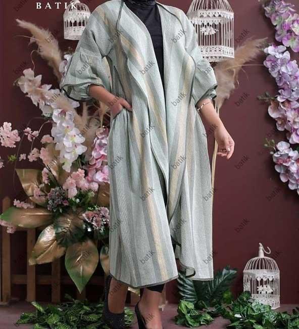 مدل مانتو دخترانه بلند یقه پهن 2019 با آستین طرح جدید