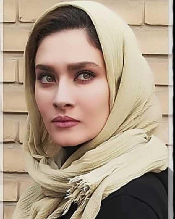 ۲۱ عکس ساناز سعیدی بهمراه توضیحات جذاب و پیج اینستاگرام او