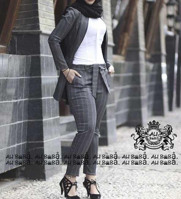 مدل کت شلوار راه راه طوسی رنگ دخترانه ۲۰۲۱ با کمربند پاپیونی