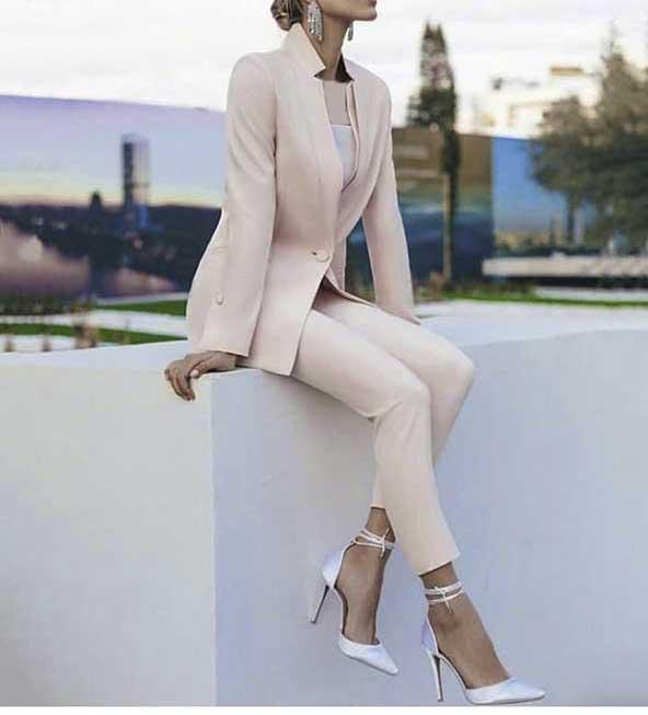 مدل کت شلوار مجلسی بسیار جذاب و جدید زنانه با استایلی خاص