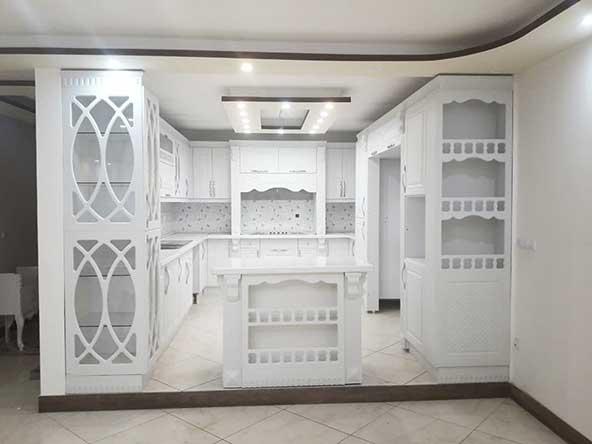 کابینت سفید رنگ مدرن و لاکچری با طراحی منحصر بفرد