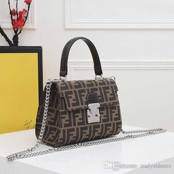 کیف قهوه ای رنگ برند برای دختر خانمهای سخت پسند