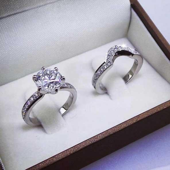 8da2aa9f35c17e0e8e1b2c29a00badb0 donoghte.com  - ۳۰ عکس مدل حلقه ازدواج و نامزدی جدید ۲۰۲۱ ست، مردانه و زنانه