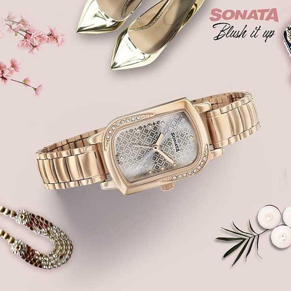 خرید ساعت مچی زیبای زنانه با صفحه مستطیل شکل