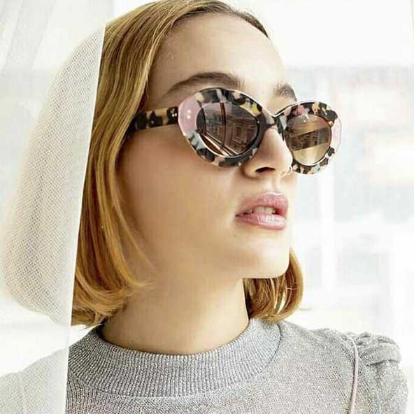 عینک آفتابی بسیار چشم نواز با فریمی متفاوت برای خانمهای خوش سلیقه