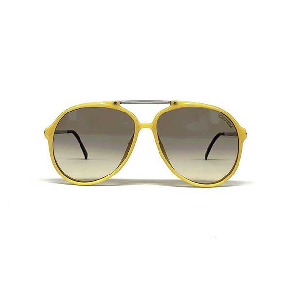 عینک افتابی مردانه با فریم زرد رنگ و طرح زیبا